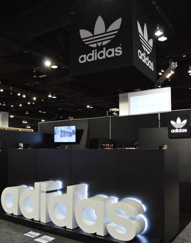 2018 Adidas Snowboard Gear Booth SIA