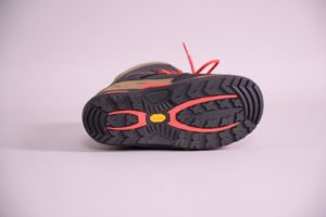 thirtytwo tm two vibram sole