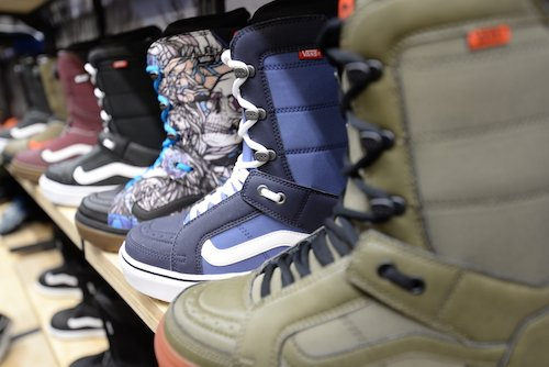 Vans Snowboarding has also redefined how they think and talk about their  boots by creating simplified clearly defined product levels based on user  benefits ... 204297c3b